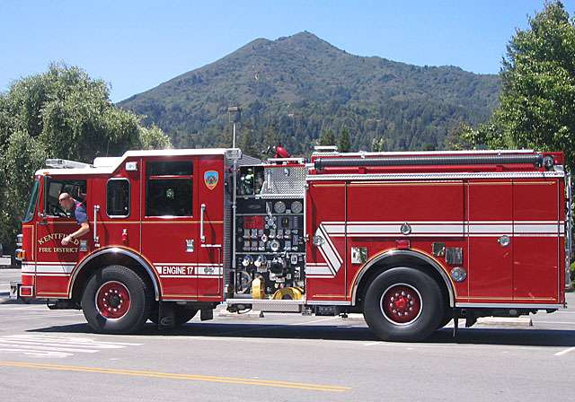 Kentfield Fire Engine 17